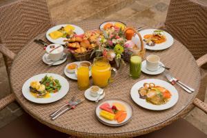 Options de petit-déjeuner proposées aux clients de l'établissement Casa Lum