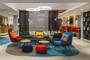 The lobby or reception area at Holiday Inn Express London - Watford Junction, an IHG Hotel