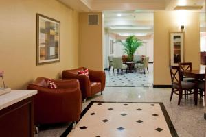 A seating area at Holiday Inn Express Hotel & Suites Los Angeles Airport Hawthorne, an IHG Hotel
