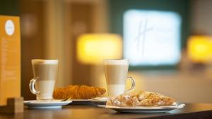 Breakfast options available to guests at Holiday Inn Express London Limehouse, an IHG Hotel