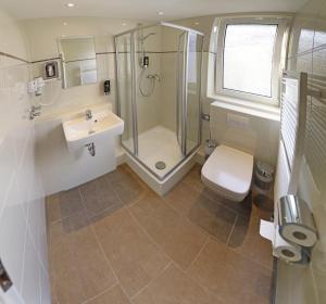 A bathroom at Hotel Residenz