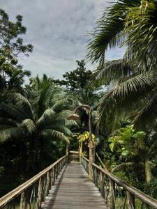 Ein Balkon oder eine Terrasse in der Unterkunft Sepilok Jungle Resort