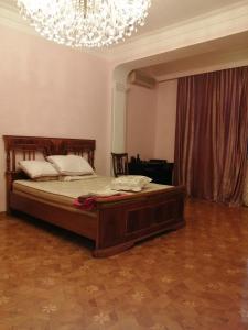 Cama ou camas em um quarto em Home Apartment 1
