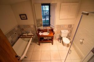 A bathroom at Brickendon
