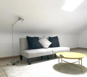 A seating area at Oak Tree Studio