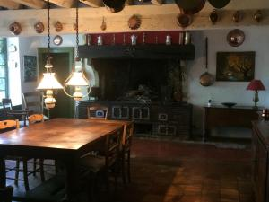 A restaurant or other place to eat at Moulin de Champrond -Montmirail -Sarthe