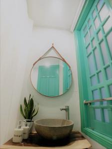 A bathroom at Delistay