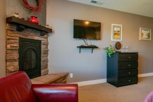 A television and/or entertainment center at Granite Hills Inn
