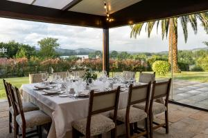A restaurant or other place to eat at Parador de Tui