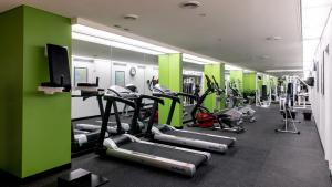 The fitness center and/or fitness facilities at Hotel Grand Chancellor Hobart
