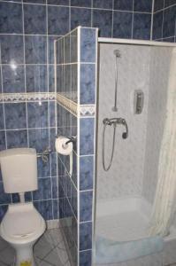 A bathroom at Hotel Bona