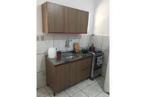 A kitchen or kitchenette at Próximo à ACISP, APM, PUC e UFRGS