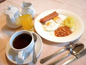 Breakfast options available to guests at Terrace Hotel