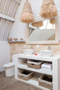 A bathroom at 7SEAS Cottages