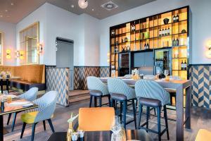 A restaurant or other place to eat at Steigenberger Hotel Am Kanzleramt