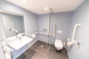 A bathroom at Hotel Orangerie