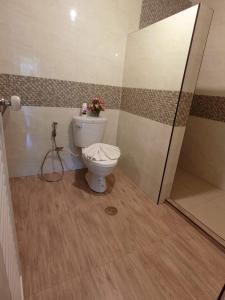 A bathroom at The Krabi Forest Homestay