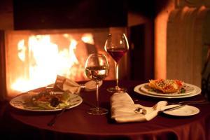 Обед и/или ужин для гостей Гостиный Двор Евгения