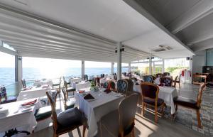Restoran ili drugo mesto za obedovanje u objektu Flora Garden,BEACH - Couples Concept - Adult Only (+16)