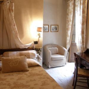 A seating area at Castello Di Vigoleno
