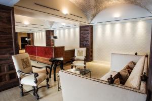 The lobby or reception area at Hotel Valencia Santana Row