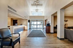 The lobby or reception area at Best Western Plus- Brandon Inn
