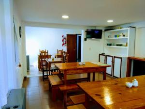 A restaurant or other place to eat at Lo de Guille