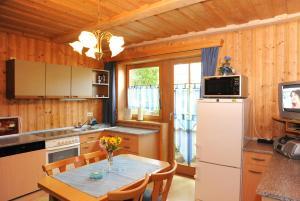 Küche/Küchenzeile in der Unterkunft Maurer Ferienwohnungen