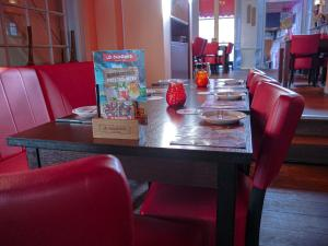 A restaurant or other place to eat at Hotel Oldenburg