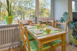 Ein Restaurant oder anderes Speiselokal in der Unterkunft Hochschwarzwald Ferienwohnung