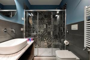 A bathroom at Du Parc Hotel