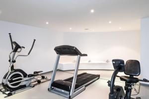 The fitness center and/or fitness facilities at Santorini Kastelli Resort
