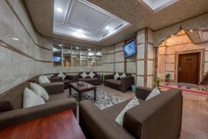 O lounge ou bar de Flora Park 2 Hotel Suites