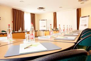 The business area and/or conference room at Campanile Montpellier Est Le Millénaire