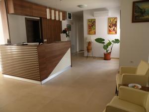The lobby or reception area at Residence Villa Karda