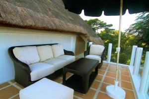 A seating area at Tropicana Ocean Villas