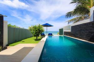 The swimming pool at or near Samui Resotel Beach Resort