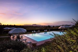 The swimming pool at or close to Fattoria Varramista - Podere Lecceta