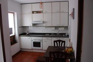 A kitchen or kitchenette at MADESAIK