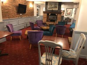 The lounge or bar area at The Cedars Hotel, Loughborough