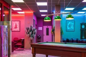 Hall ou réception de l'établissement Hotel Restaurant Siatel Chateaufarine