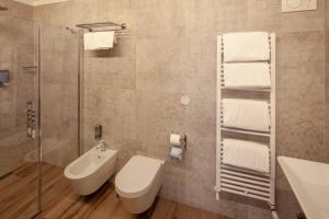A bathroom at Hotel Flavia