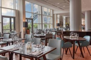 A restaurant or other place to eat at Hilton Newcastle Gateshead