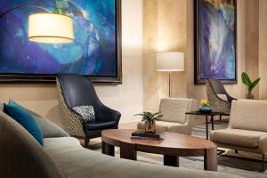 A seating area at Tampa Marriott Water Street