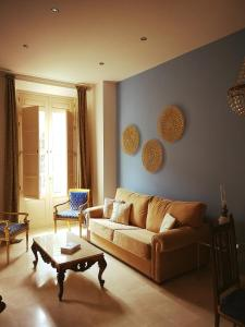 A seating area at La Casa Azul B&B + Apartments
