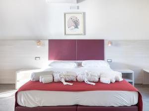 A bed or beds in a room at Sa Costa