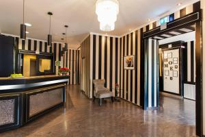 The lobby or reception area at The Domicil Hotel Frankfurt City
