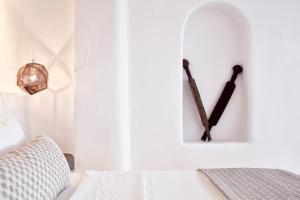 A bathroom at Mykonos No5 Luxury Suites & Villas