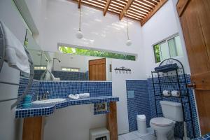 A bathroom at Fuego Lodge