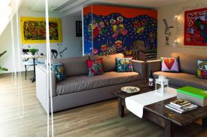 A seating area at Greek Gastronomy Center Apartments